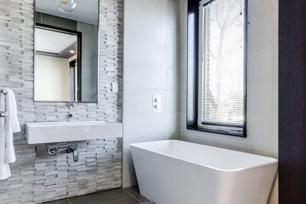vvs køge - vvs badeværelse badekar 1250x1200